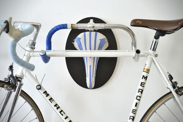 Rastrelliera a forma di trofeo biciclettoso