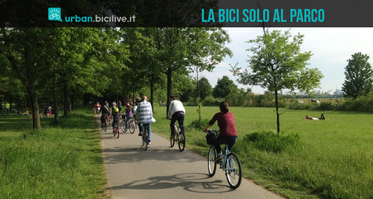 Nelle città italiane si usa la bici solo per andare al parco