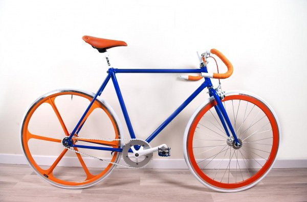 bicicletta-scatto-fisso-orange-juicy