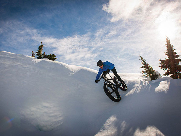 Brandon-Crichton-fat-bike-blizzard-600x450