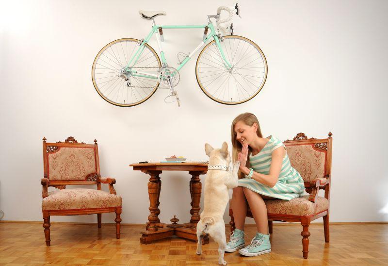 Porta biciclette minimal da parete Standstill