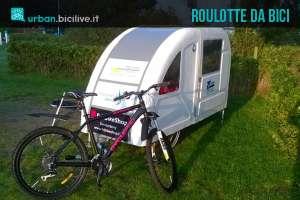 una roulotte da bici per il cicloturismo