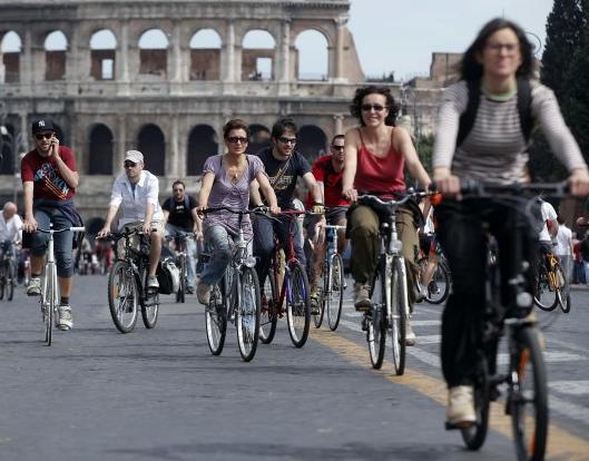 Roma è protagonista della seconda edizione di VeloLove, il Festival nazionale del ciclismo urbano