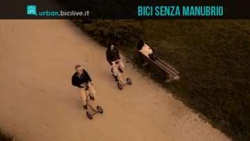 Una foto per la 3DOM, la bicicletta senza manubrio a tre ruote