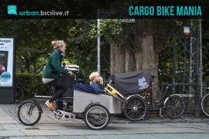 Una cargo bike sulle strade di Copenaghen