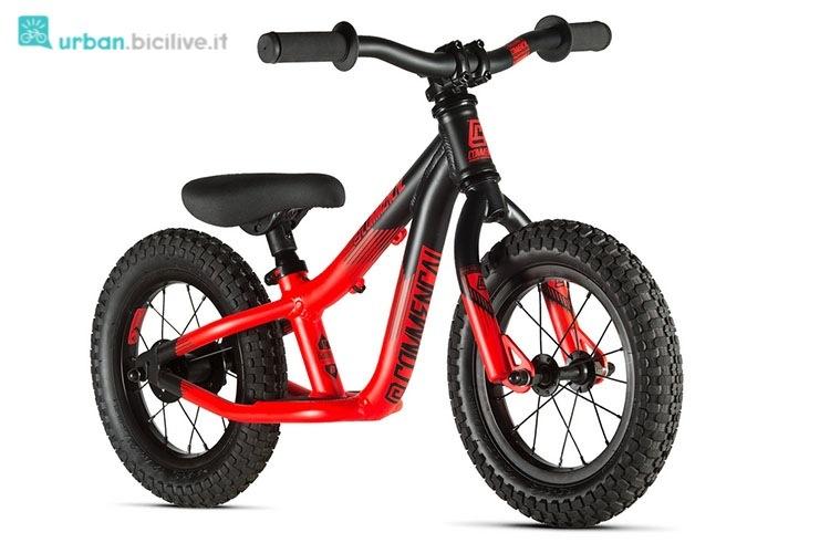 Bici senza pedali Commencal, telaio con poggiapiedi