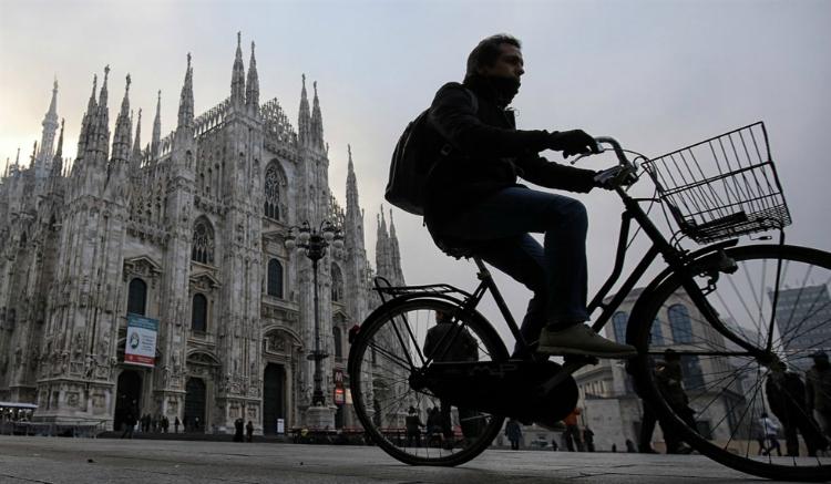 Il cielo di Milano fra smog e polveri sottili