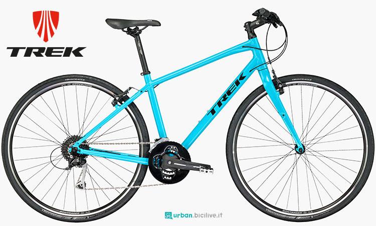 Una bici urbana da fitness Trek FX 3 da donna