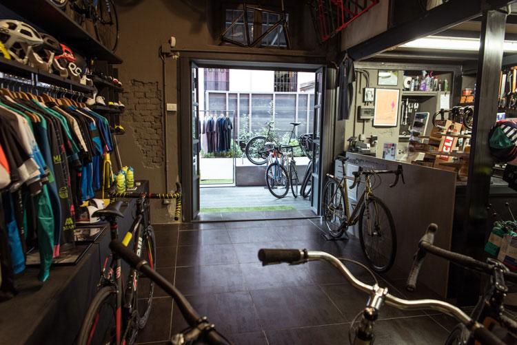 Il negozio Deus Cycleworks a Milano