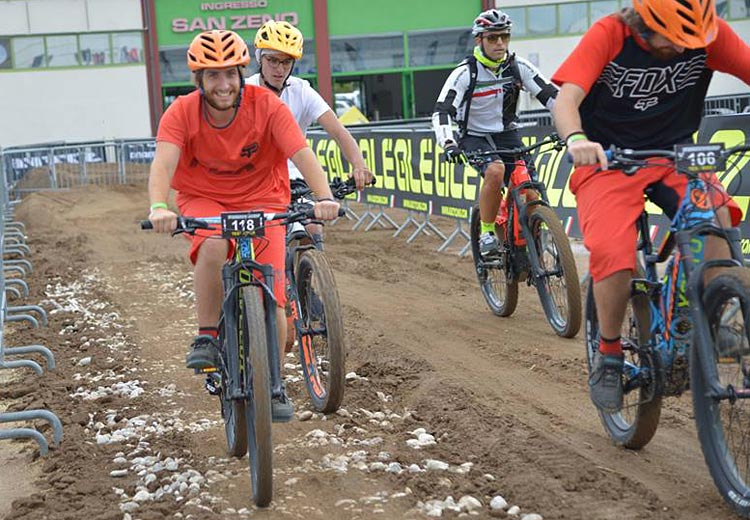 area demo e test di cosmobike show
