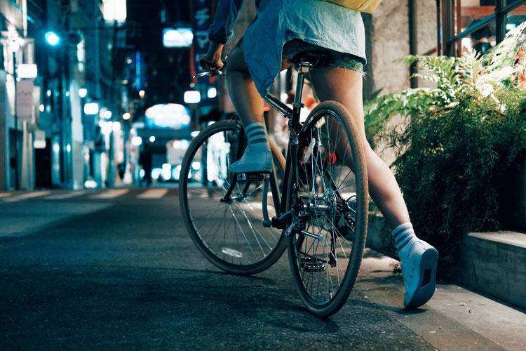 Una bicicletta per le vie della città