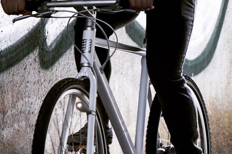 reelight montata su una bici urban