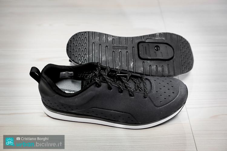 foto delle scarpe urban shimano CT5