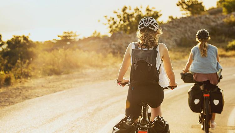 due ciclisti in viaggio