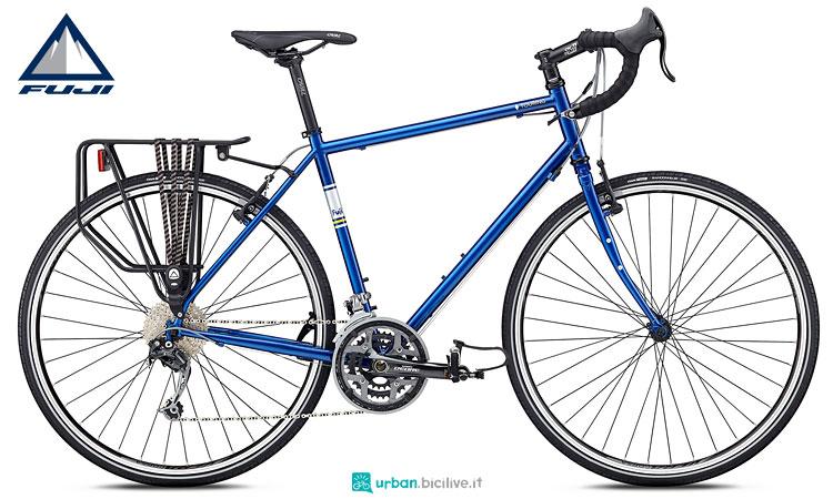 bici cicloturismo fuji 2018