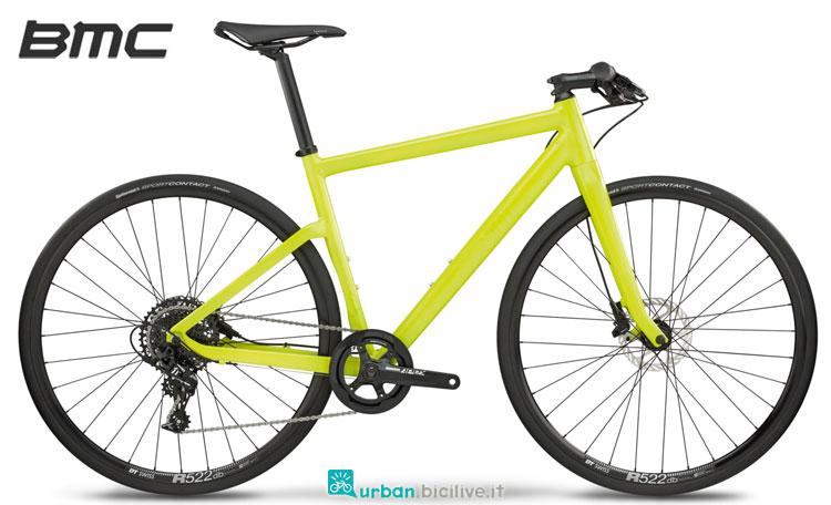 Una bicicletta urban BMC Alpenchallenge AC01 Four color limone