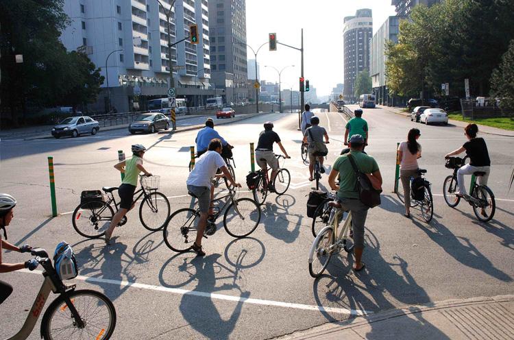 Ciclisti a spasso in città