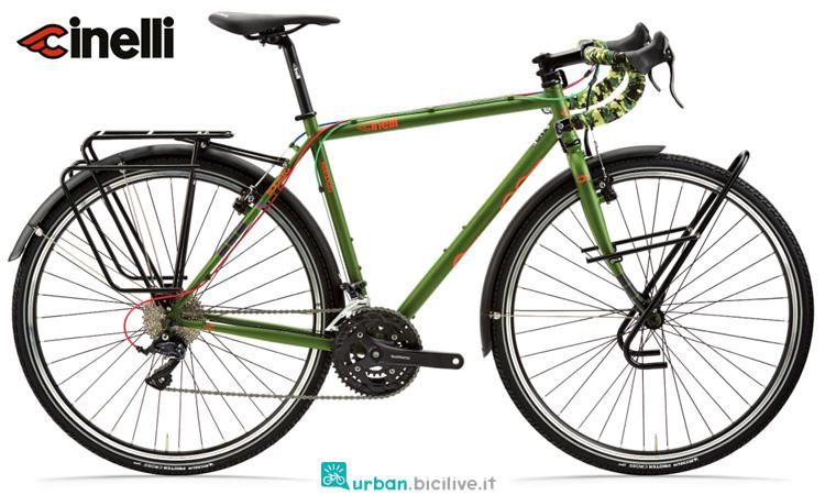 Una bicicletta Cinelli Hobootleg 2019 con portapacchi