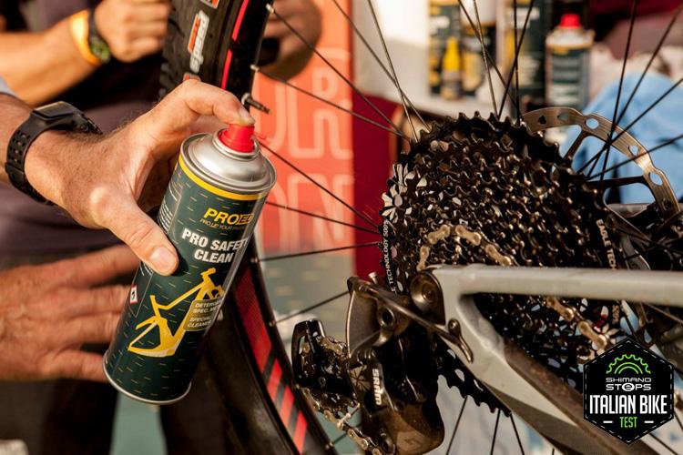 Manutenzione bici nel corso dell'Italian Bike Test 2018