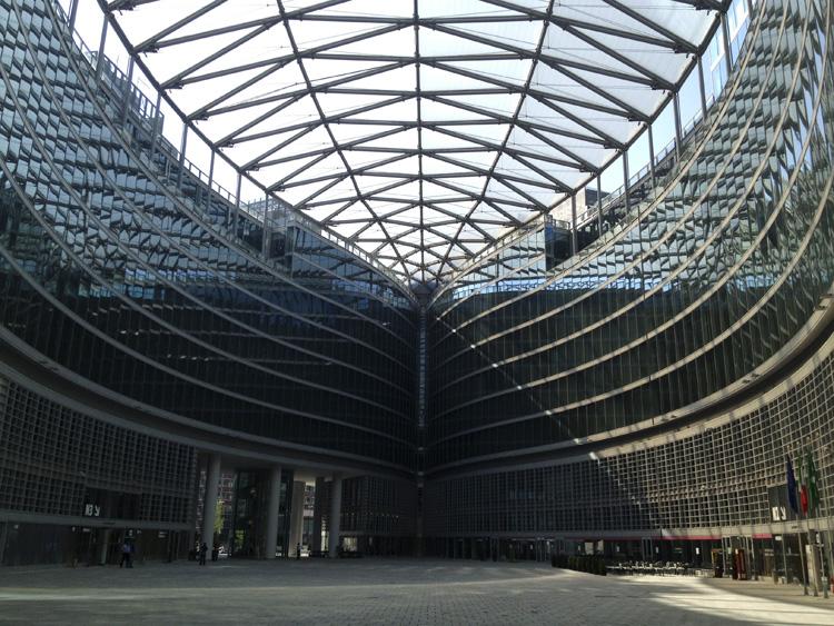 Piazza Città di Lombardia a Milano
