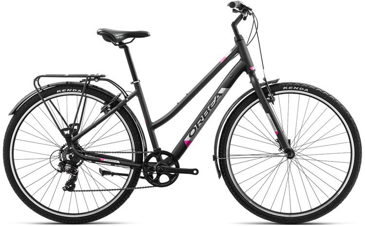 Una bicicletta da passeggio Orbea Comfort 42 Pack con portapacchi