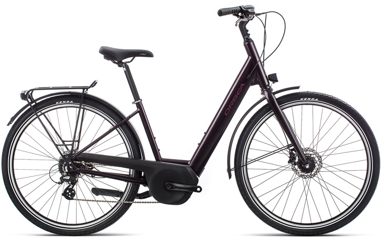 Una bici con telaio a scavallo basso Orbea Optima A20