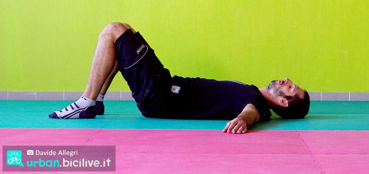 rotazione pelvica contro il mal di schiena