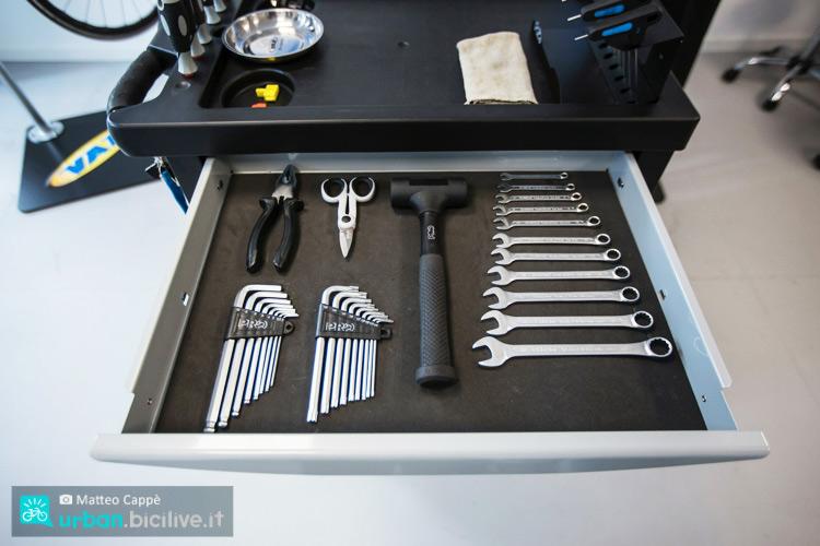 foto di attrezzi del shimano tech lab