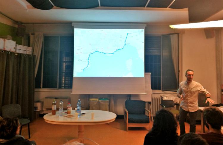 Marco Invernizzi presenta il suo libro a un evento
