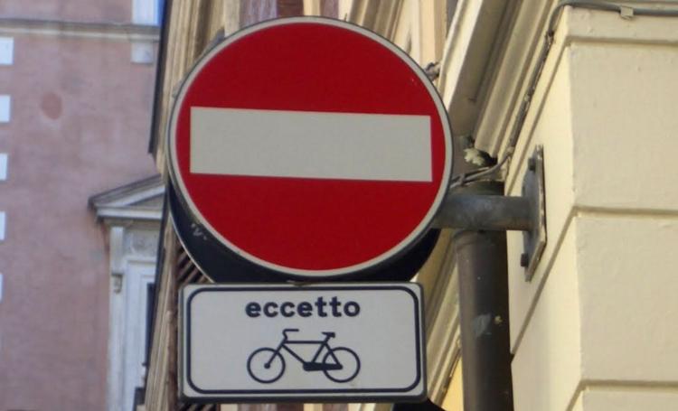 senso unico eccetto bici