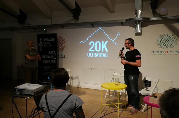 Andrea Collino durante la presentazione di 20K Ultratrail da Upcycle Milano Bike Café