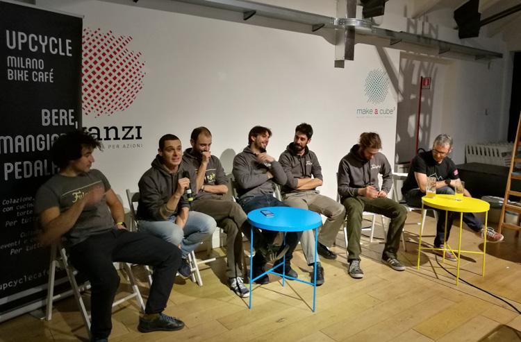 I Fulgenzi durante il racconto della loro esperienza nel 2018 da Upcycle Milano Bike Café