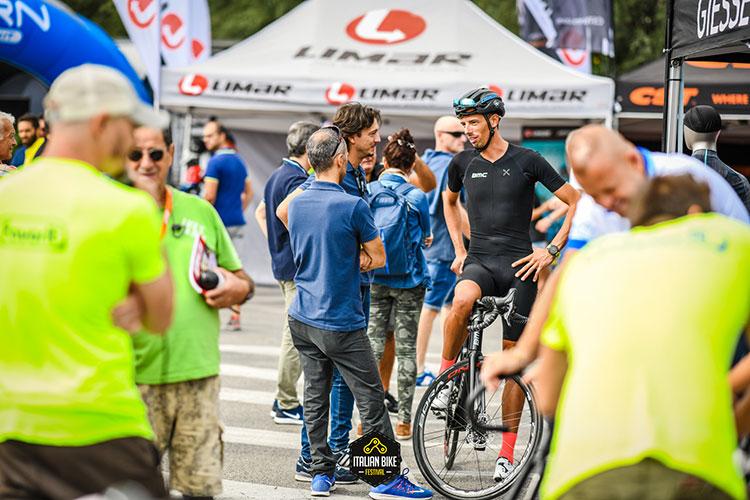 Prove di bicicletta durante l'italian bike festival