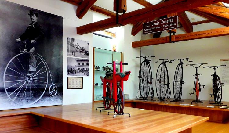 Biciclette storiche esposte al museo di Cesiomaggiore