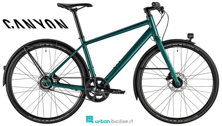 Una bicicletta da città Canyon Commuter 5.0