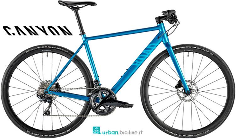 Una bicicletta Canyon Roadlite SL 8.0