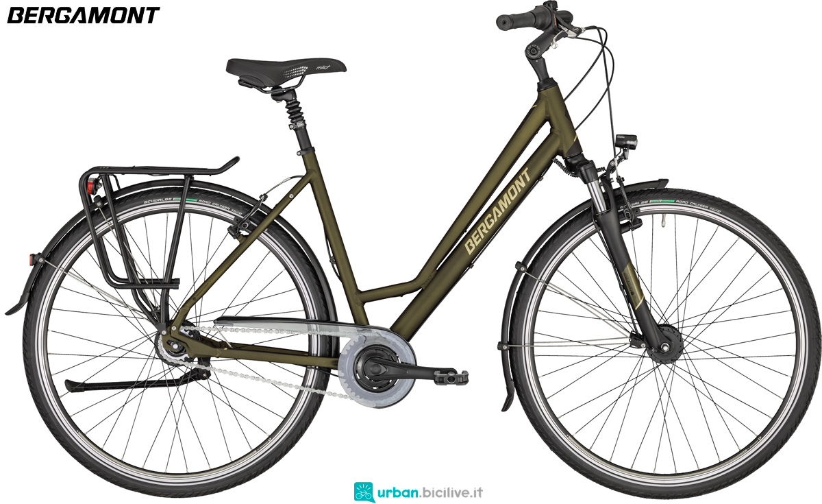 Una bicicletta da trekkinh Bergamont Horizon N8 FH Amsterdam gamma 2020