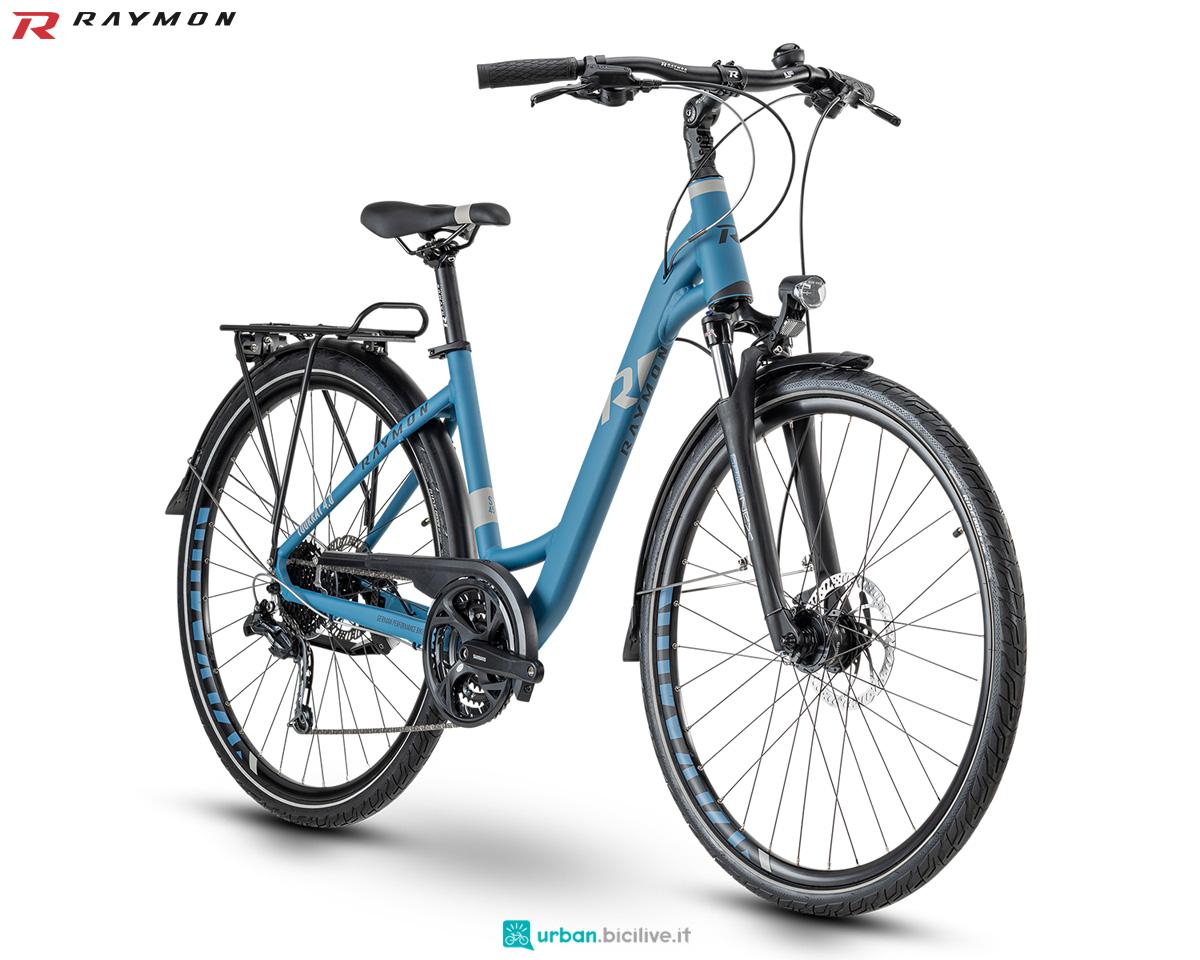 Una bicicletta R Raymon TOURRAY 4.0 Wave con scavalco basso