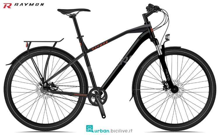 Una bicicletta muscolare per il trekking R Raymon TOURRAY 6.0 anno 2020