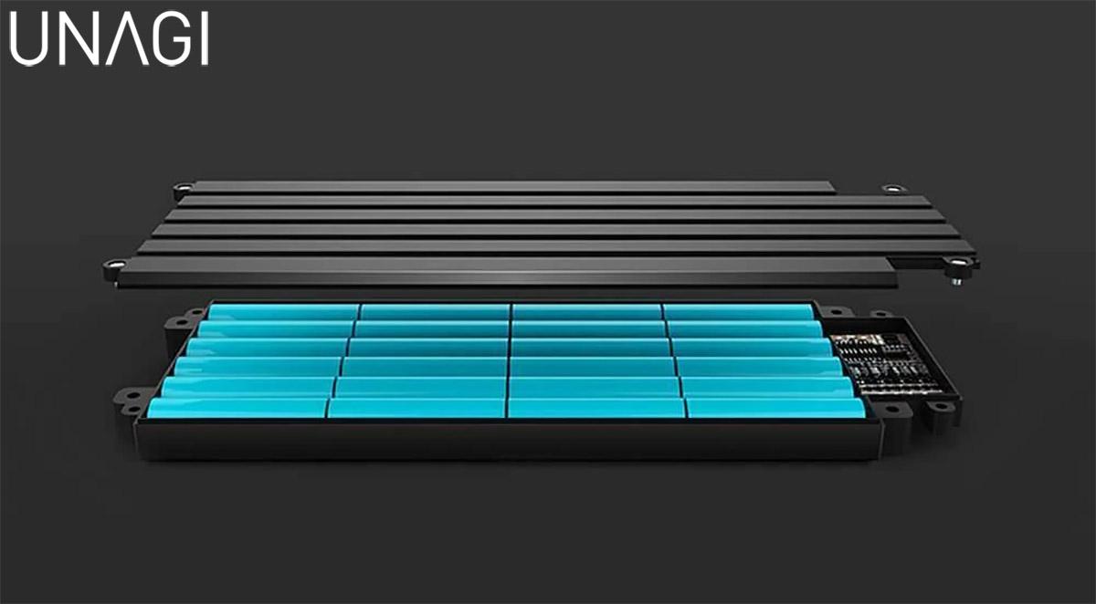 La batteria elettriche da 9,6 Ah montata sul monopattino Unagi The Model One 2020