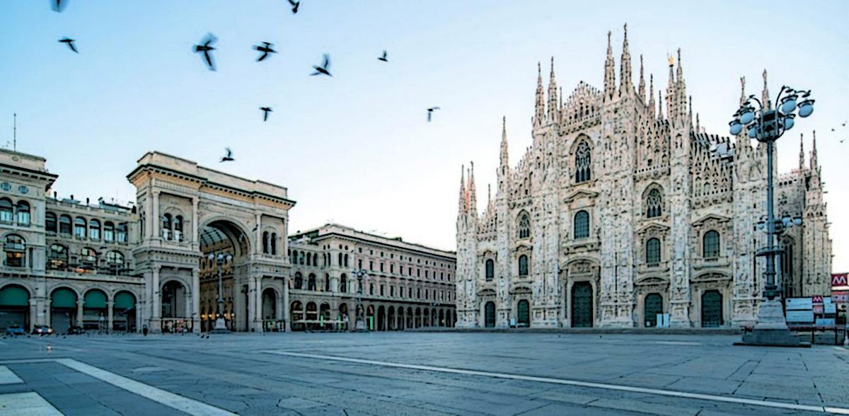 Piazza del Duomo a Milano deserta a causa del Coronavirus