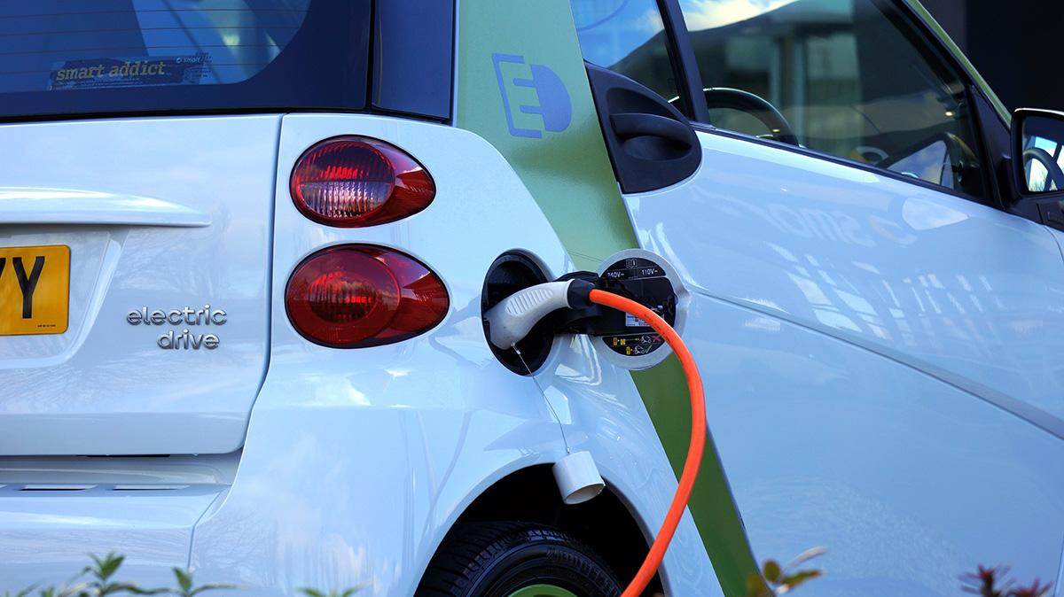 Una auto elettrica