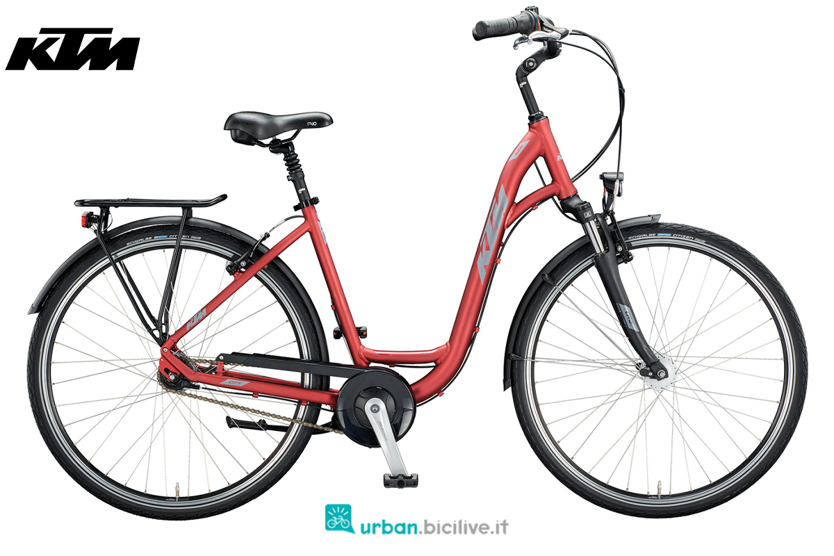 Una city bike KTM City Line 28 con telaio unisex