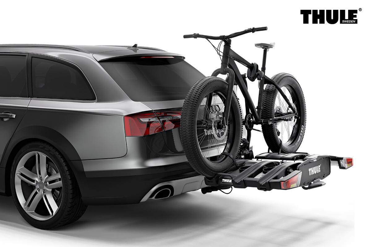 Un portabici Easyfold XT con una fat bike