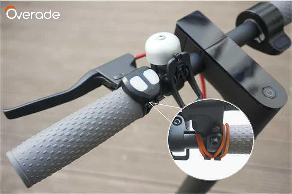 Controllo bluethoot per il dispositivo segnaletico per caschi Overade Blinxi