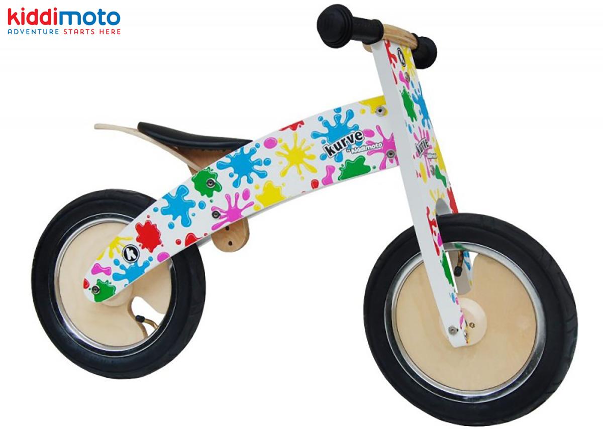 La balance bike per bimbi in materiali riciclati Kiddimoto Kurve