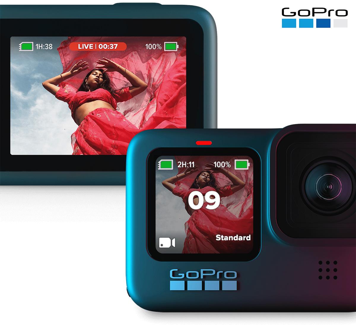 La GoPro HERO9 Black con i relativi display vista frontalmente e posteriormente