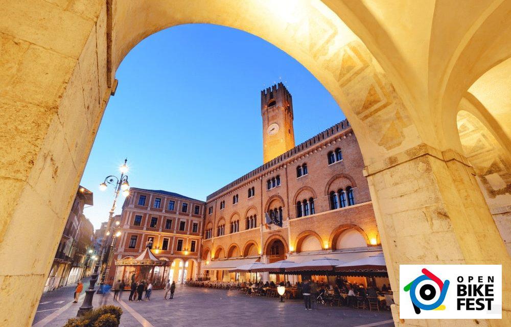Una bella piazza a Treviso