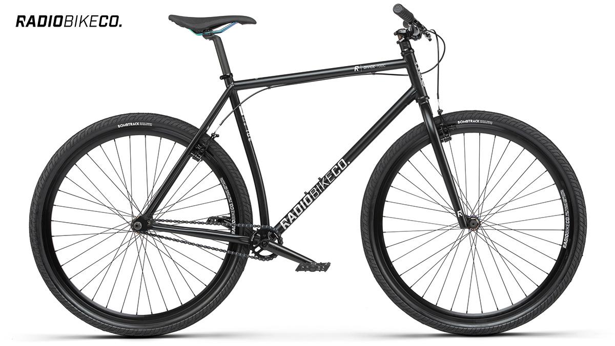 La nuova bici da città Radiobike Divide 28 2021 vista lateralmente