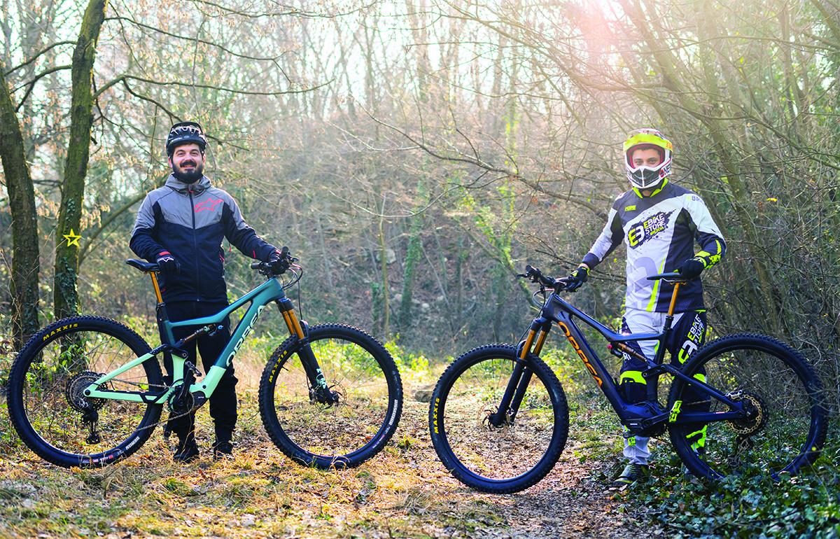 Due uomini del team dell'Ebike Store Brescia durante un'escursione